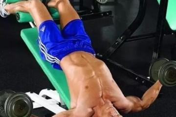 哑铃飞鸟练哪里的肌肉?哑铃飞鸟怎么做?
