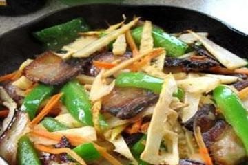 草菇烧笋怎么做好吃 草菇烧笋的做法
